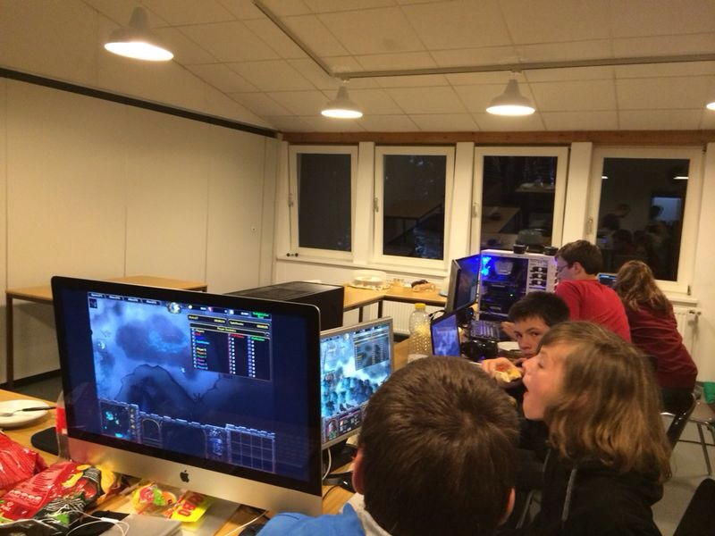"Bild ""Lan-Party.jpg"""